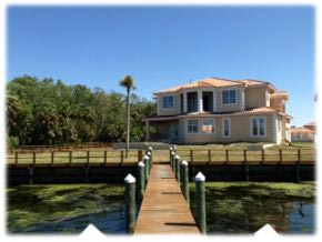 two story on the water - Homosassa River